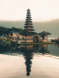 A traditional Indonesian pagoda on the water. If you learn Indonesian, you can communicate with native Indonesian people on your next vacation.